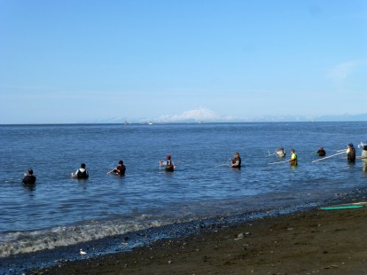 Mt. Redoubt on the background