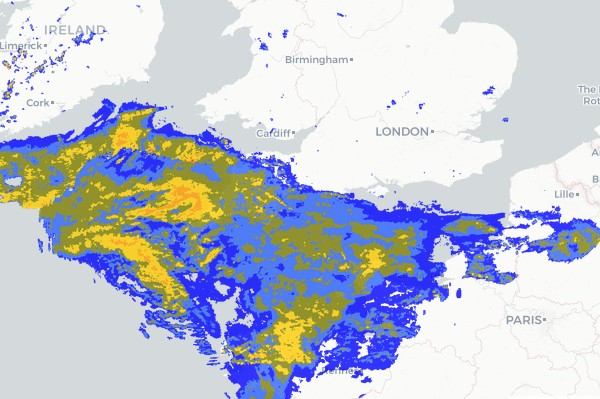 Satellite map of southern UK showing a huge band of rain coming in from the Atlantic