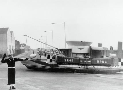 SR-N1 hovercraft, Lee-on-Solent, England, 5 March 1962.