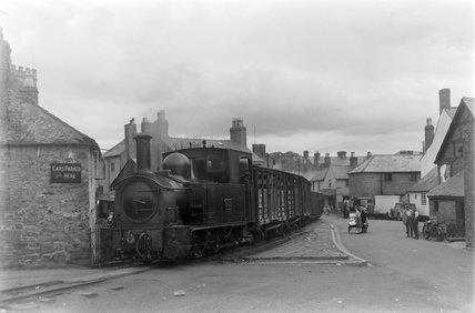 Welshpool and Llanfair Railway locomotive no 822