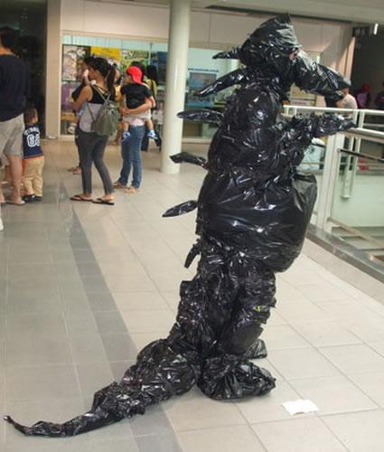 top-10-godzilla-cosplays-costumes-mothera-mechagodzilla-ultraman-ghidorah-1