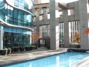 vancouver-westin-grand-pool3