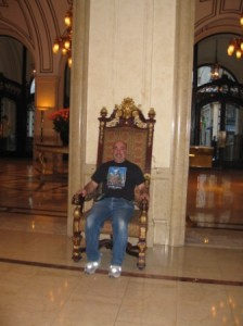 palace-hotel-throne-chair