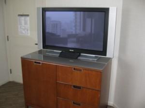 westin-market-street-42-inch-tv