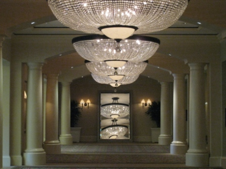 st-regis-mb-chandeliers-hall1