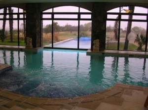 Indoor-outdoor pool Sheraton Colonia, Uruguay June 2007