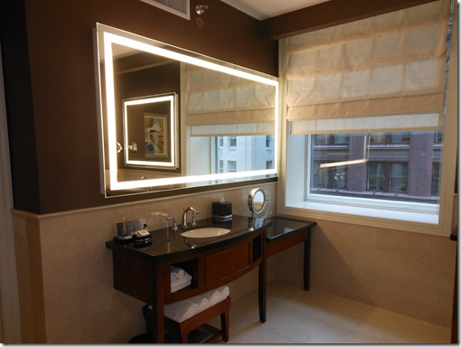 LaSalle Suite bathroom-2
