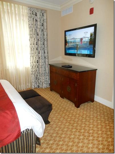 LaSalle Suite bedroom tv