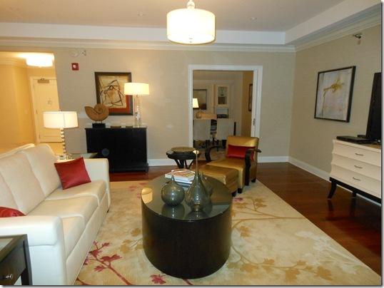 McCormick Suite living room-3