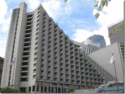 Grand Hyatt-Mandarin Oriental 084_thumb[1]