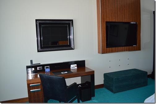 Desk-TV