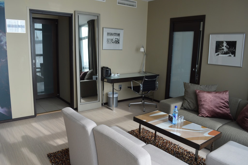 hotel review farris bad kaupang suite. Black Bedroom Furniture Sets. Home Design Ideas