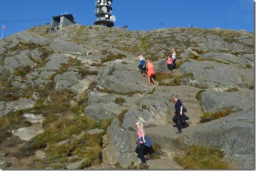 Ulriken hiking women