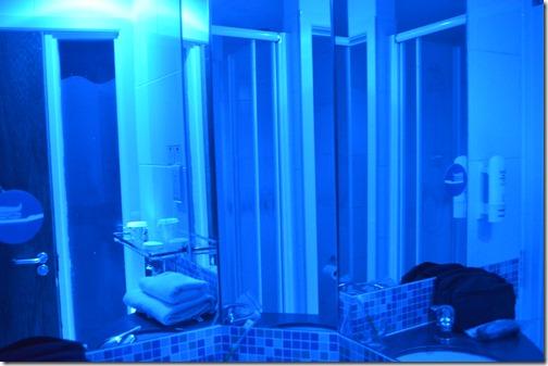 HIX Dub blue light bath