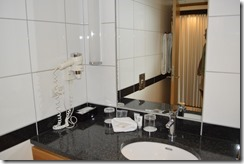 Skt Petri bathroom-1