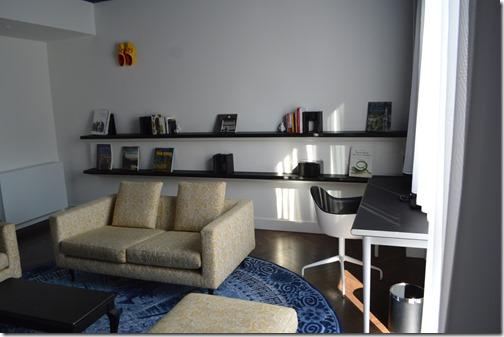 Andaz Suite-desk