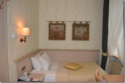 Ramada 222 bed