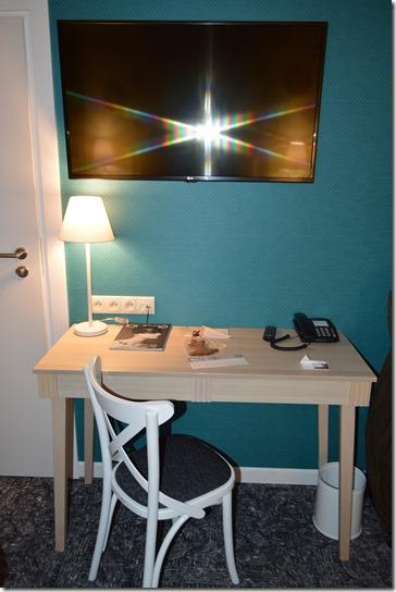 Hotel Indigo Krakow TV