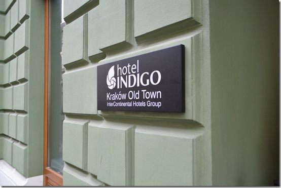 Hotel Inidgo sign-ext