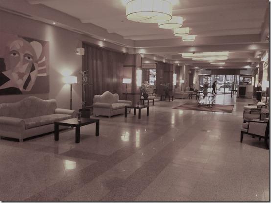 Ramada Sofia lobby1