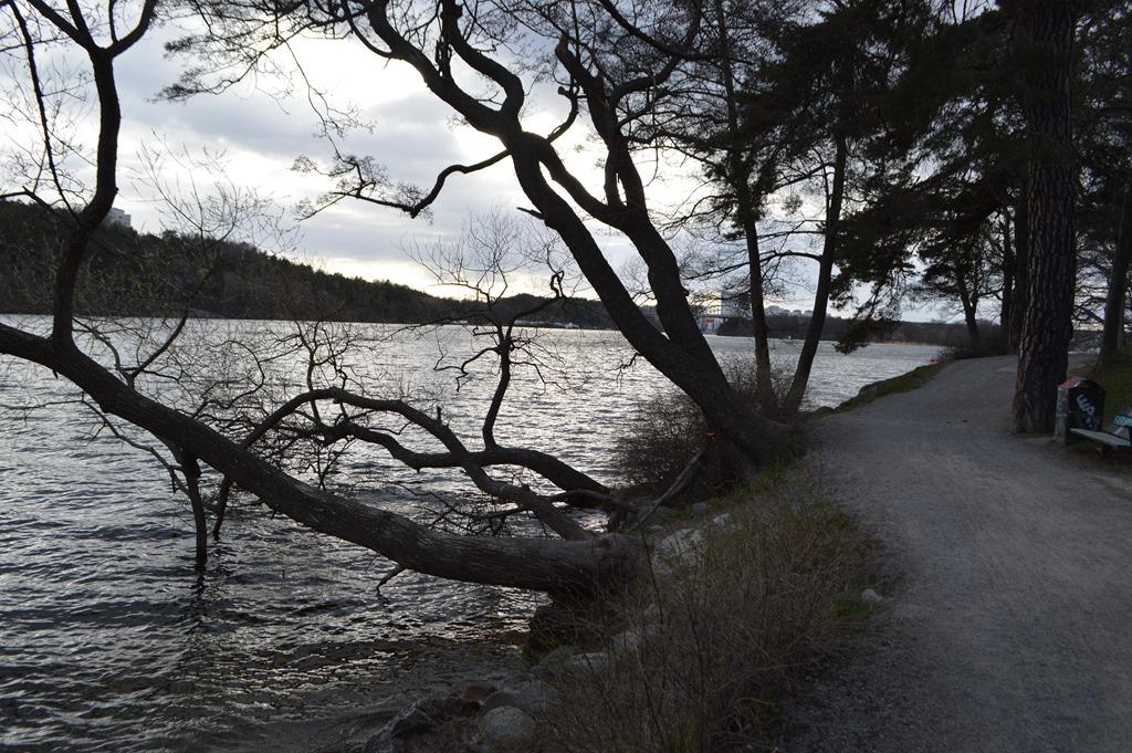Walking Stockholm 4 days after April 7 terror attack ...