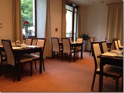 Clarion breakfast room