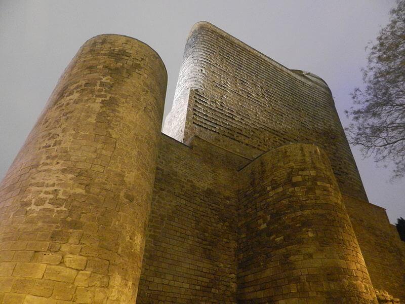 , построенный в честь первого Президента Азербайджана Г. Алиева