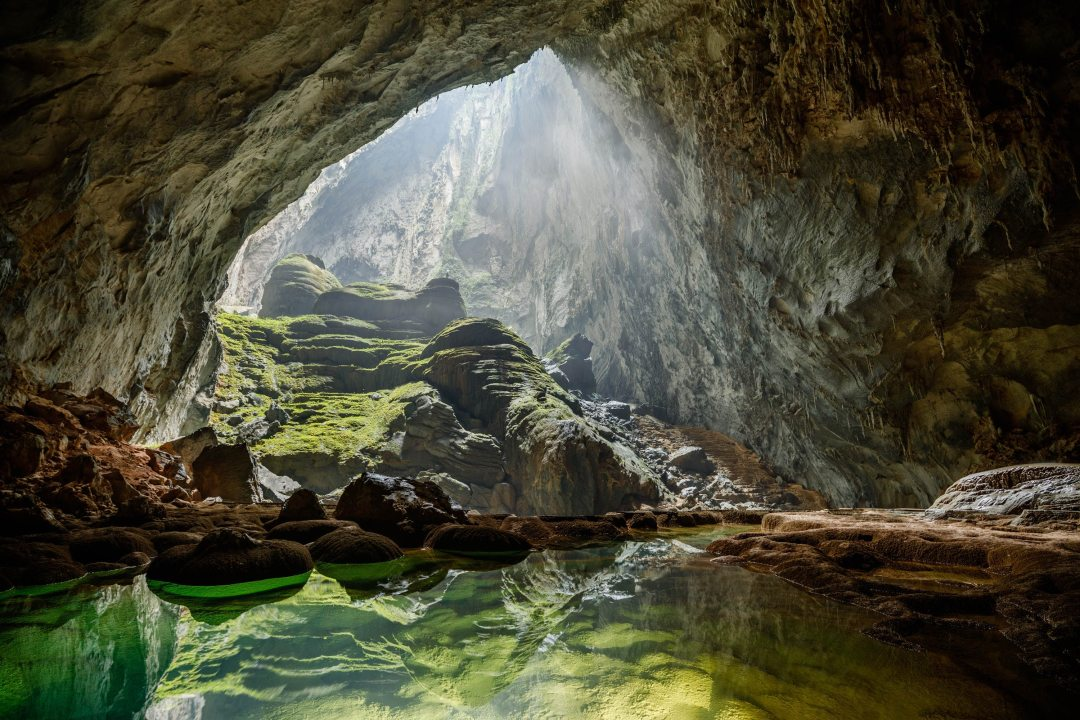 How to explore the world's largest cave, Hang Son Doong, in ...