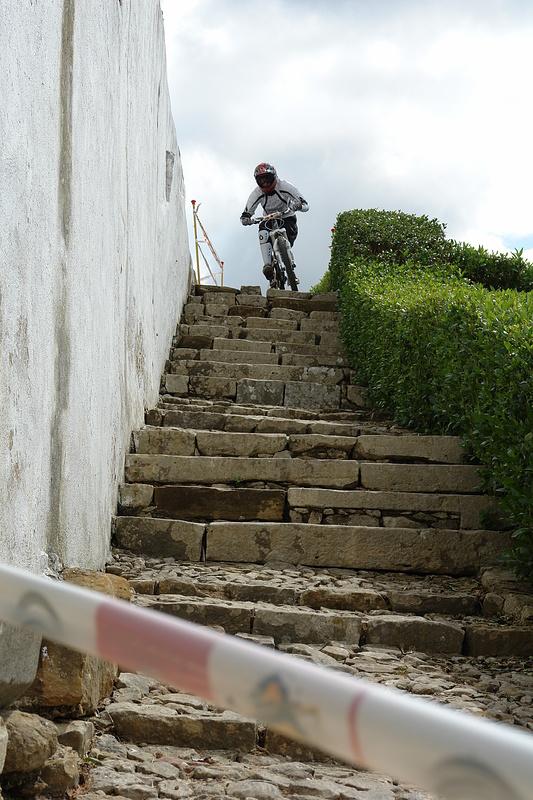 Entrar nas escadas / photo by Tina (namorada)