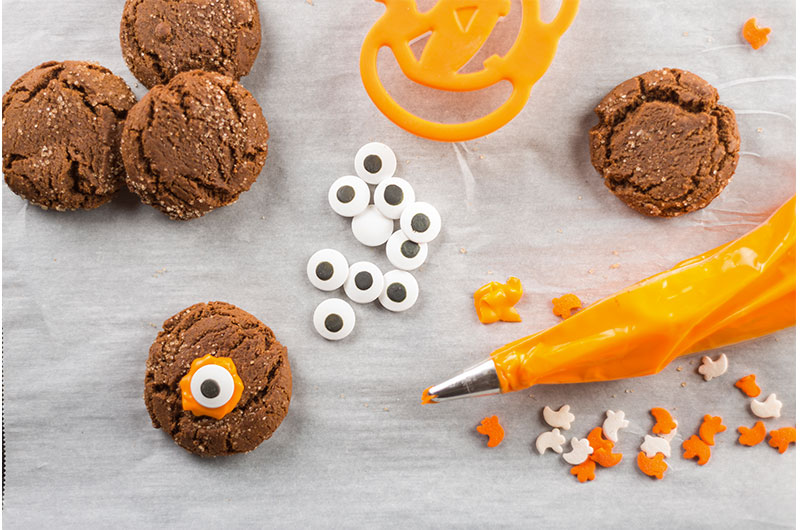 Halloween Treats you and your Kids Can Make Together