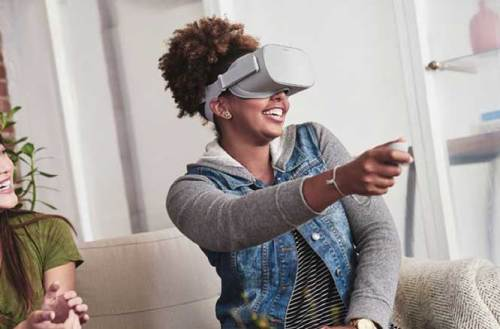 Facebook推出VR一體機Oculus Go,售價199美元望帶動VR市場發展