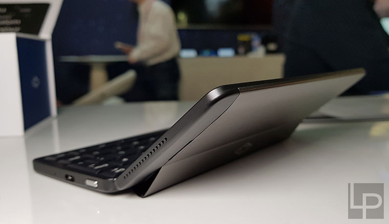 Planet Gemini雙系統商務筆電手機,內建剪刀腳鍵盤與雙USB-C端子