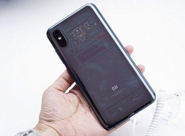 動眼看/小米8透明探索版,整合小米最高設計工藝、更多黑科技 @LPComment 科技生活雜談
