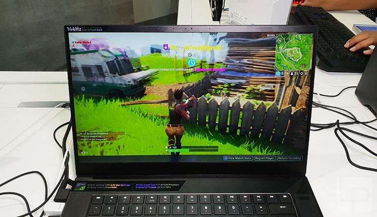 全新Razer Blade 2018動手玩:搭載超窄邊螢幕、至今最極致的雷蛇靈刃(與2016年款比一比)