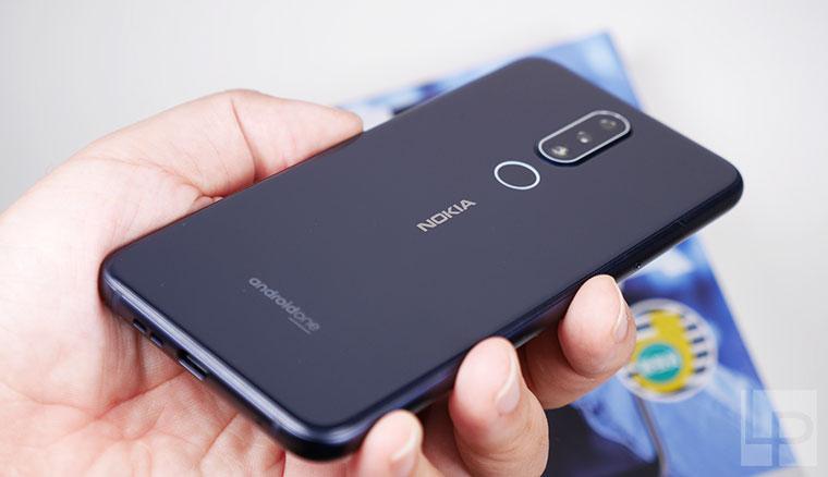 Nokia 6.1 Plus開箱體驗:雙面玻璃與瀏海全螢幕設計、還有AI雙攝相機
