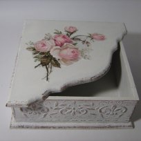 shabby-chic-pink-roses-paper-napkin-box