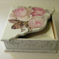 shabby-chic-roses-paper-napkin-box2