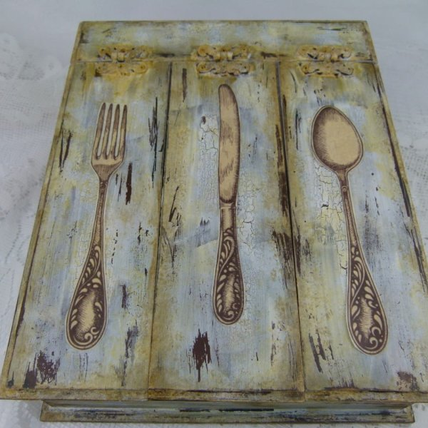 Vintage-box-of-cutlery3
