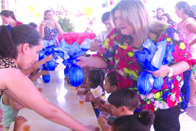 Fundação Nivaldo Franco Bueno festa creche (2).jpg