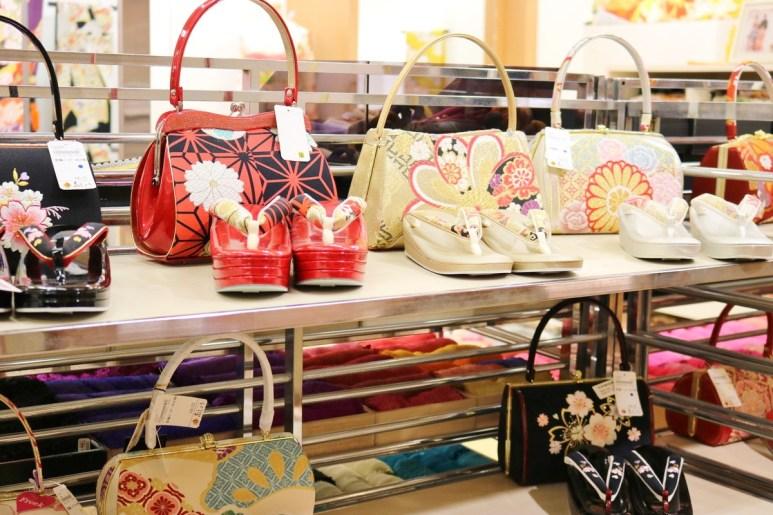 Kimono_at_Shopping_Archade (4)