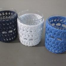 Hæklede lysestager, blå nuancer