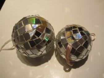 Hjemmelavede disko kugler af cd'er