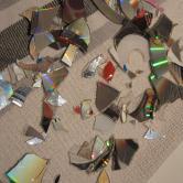 Smadret cd til hjemmelavede disko kugler