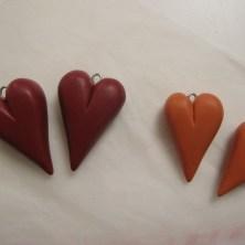 Hjemmelavede hjerter af cernit eller fimo ler