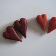 Hjemmelavede hjerter til øreringe