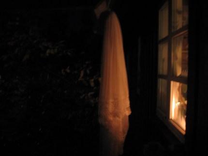 Halloween pynt - hjemmelavet spøgelse