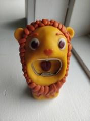 hjemmelavet løve øloplukker