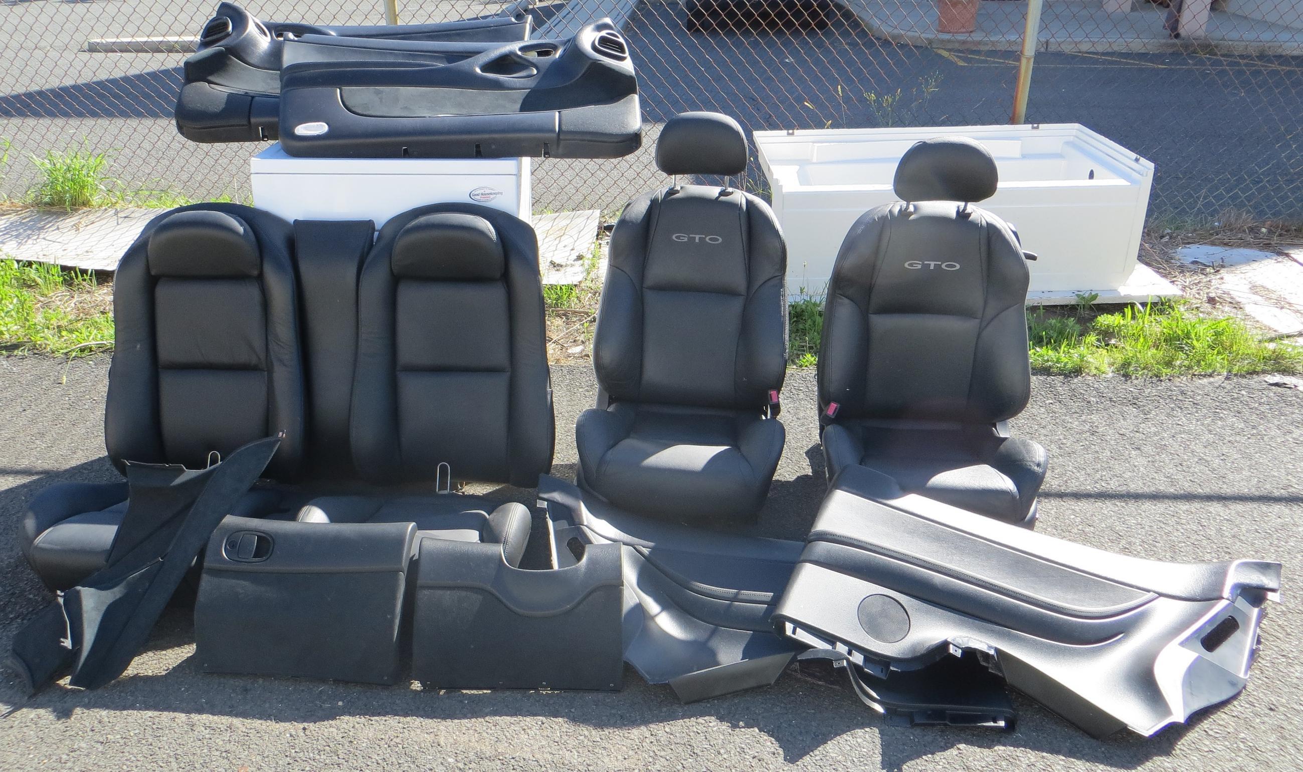 04 06 GTO Black Interior Seats Door Panels Trim Panels 12