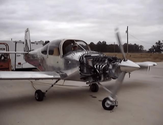 LSpoweredplane