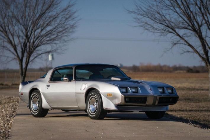 Pontiac-Trans-Am-1-1600x1066